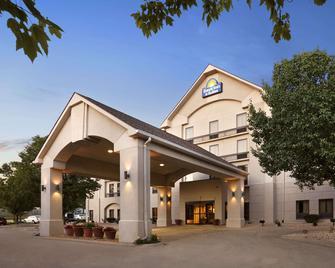 锡达拉皮兹戴斯套房酒店 - 锡达拉皮兹 - 建筑