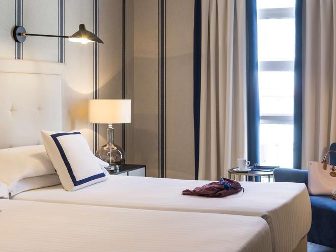毕尔包鄂阿尔比亚花园美居酒店 - 毕尔巴鄂 - 睡房