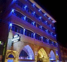 马瑞娜阿卡塔尔酒店