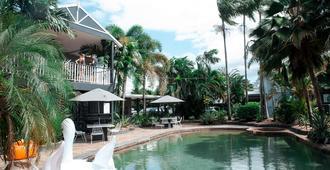 凯恩斯热带花园汽车旅馆 - 凯恩斯 - 游泳池