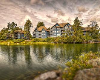 水边岸上套房酒店 - 尤克卢利特 - 建筑
