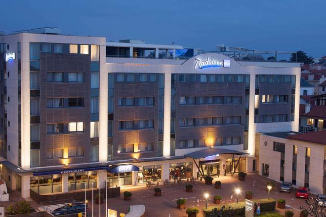 比亚里茨丽笙酒店 - 比亚里茨 - 建筑