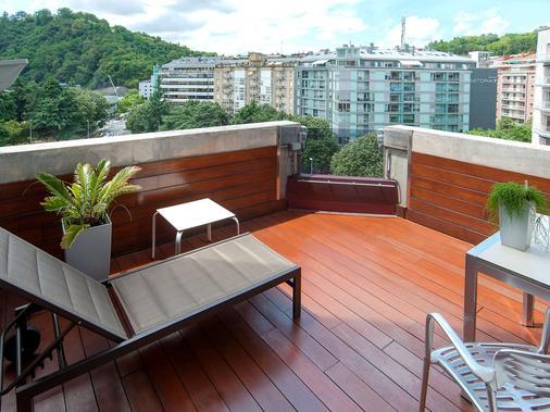 西尔肯阿玛拉广场酒店 - 圣塞瓦斯蒂安 - 阳台