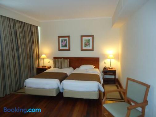 卡摩斯酒店 - 蓬塔德尔加达 - 睡房