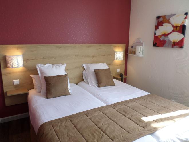 鲁昂庭院酒店 - 鲁昂 - 睡房