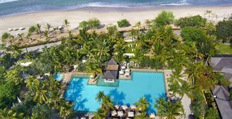 勒吉安巴厘岛帕德玛假日酒店 - 库塔 - 游泳池
