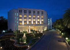 万寿菊格林公园酒店 - 海得拉巴 - 建筑