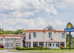 温莎洛克斯 戴斯酒店-布拉德利国际机场 - 温莎洛克斯 - 建筑