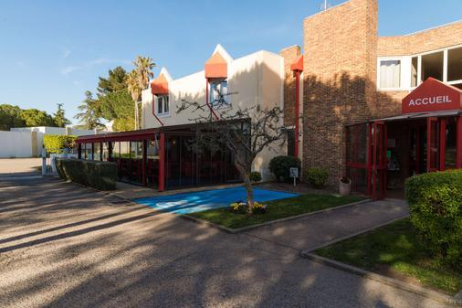 尼姆路边石原创城市酒店(国际酒店) - 尼姆 - 建筑