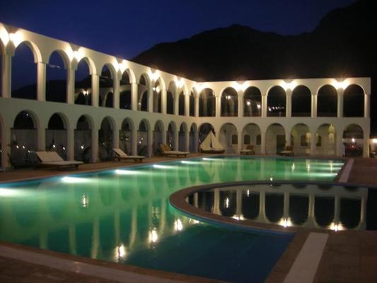 Dm Hotel Andino Resort & Spa - 拉巴斯 - 游泳池