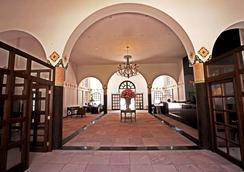 Dm Hotel Andino Resort & Spa - 拉巴斯 - 大厅
