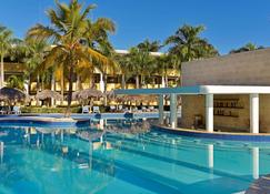 多拉达海岸伊波罗之星酒店&度假村 - 普拉塔港 - 游泳池