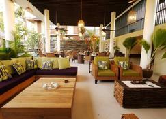 德瓦塔拉海滩酒店 - 普拉兰大安塞区 - 酒吧