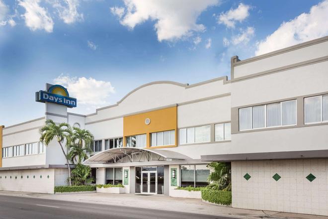 迈阿密机场北戴斯酒店 - 迈阿密泉 - 建筑