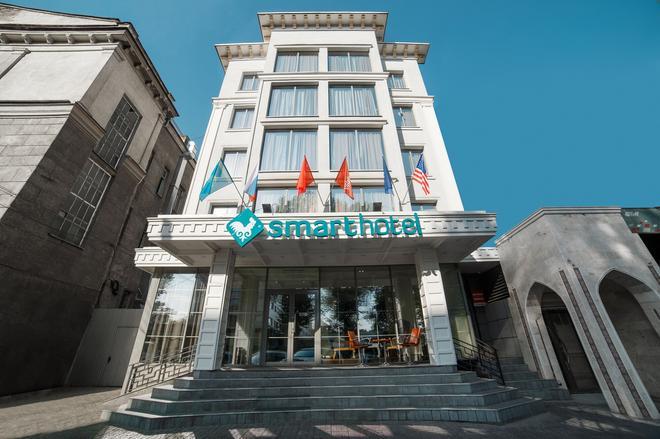 比什凯克(节日)斯马特酒店 - 比什凱克 - 建筑