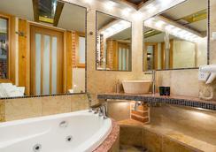 老城公寓酒店 - 克拉科夫 - 浴室