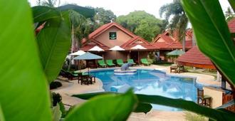 福象度假村 - 拉威 - 游泳池