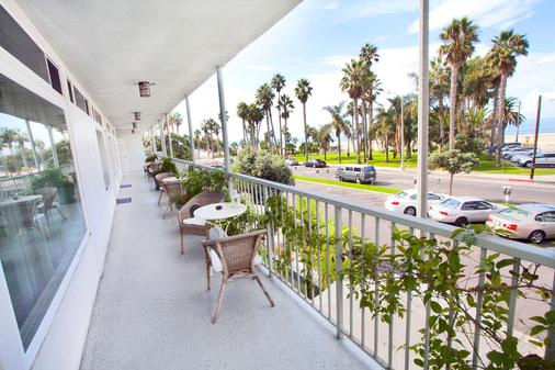 贝赛酒店 - 圣莫尼卡 - 阳台