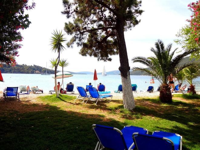 阿夫拉海滩酒店 - 莱夫卡扎 - 露台