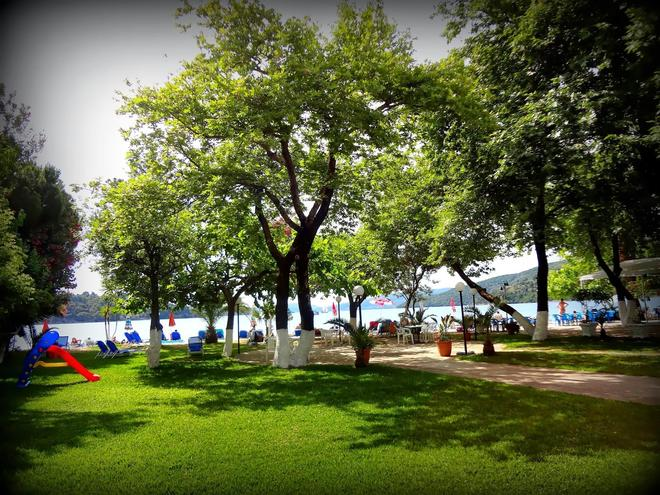 阿夫拉海滩酒店 - 莱夫卡扎 - 户外景观