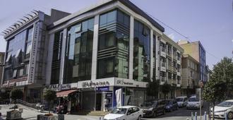 机场公寓酒店 - 伊斯坦布尔 - 建筑