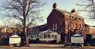 艾特罗普农庄酒店 - 曼彻斯特