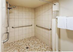 帕萨迪纳豪生酒店 - 帕萨迪纳 - 浴室