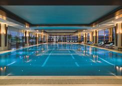 上海浦东嘉里大酒店 - 上海 - 游泳池