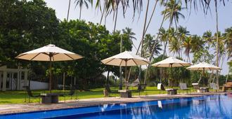 俱樂部別墅飯店 - 本托塔 - 游泳池