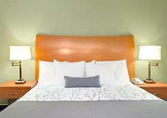 圣何塞戴斯酒店及会议中心 - 圣何塞 - 睡房