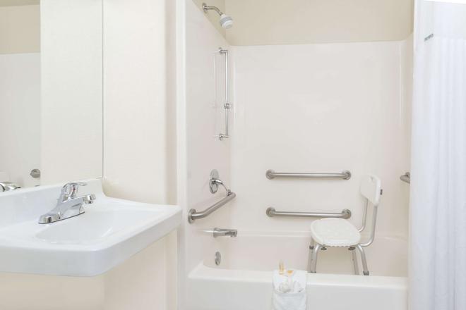 科罗拉多斯普林斯空军学院戴斯酒店 - 科罗拉多斯普林斯 - 浴室