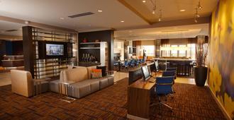 堪萨斯城布赖尔克利夫万怡酒店 - 堪萨斯城 - 休息厅