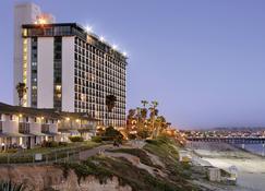 卡普里岛海滨全季度假酒店 - 圣地亚哥 - 建筑