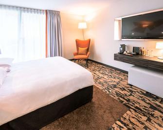 丽笙蓝光酒店-巴黎布洛涅贝卢 - 布洛涅比扬古 - 睡房