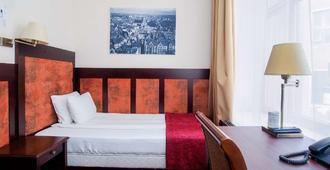 瑞克斯韦尔老里加宫酒店 - 里加 - 睡房