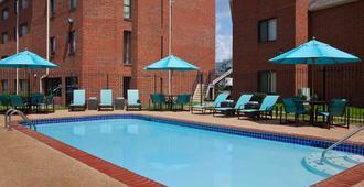 曼非斯索尼斯塔 ES 套房酒店 - 孟菲斯 - 游泳池