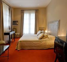多曼尼奥里亚克酒店