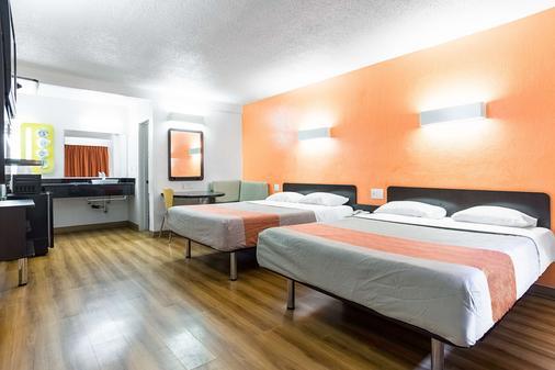 长滩国际城第六汽车旅馆 - 长滩 - 睡房