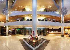 黄金海岸索菲特酒店 - 布罗德海滩 - 大厅