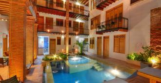 卡萨卡罗利纳精品酒店 - 圣玛尔塔 - 游泳池