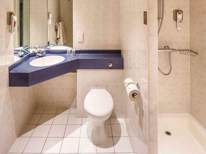 宜必思切斯特菲尔德北部酒店-巴尔伯勒店 - 切斯特菲尔德 - 浴室