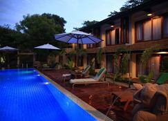 我的蒲甘阿马塔公寓-阿马塔精品屋 - 蒲甘 - 游泳池