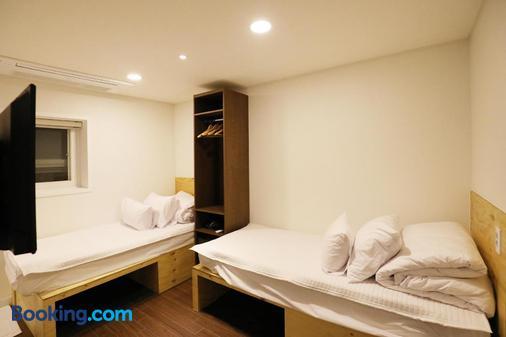 明洞1号步伐旅舍 - 首尔 - 睡房