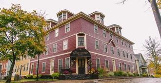 伟大的乔治酒店 - 夏洛特顿 - 建筑