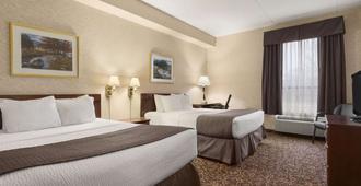 多伦多东湖景戴斯酒店 - 多伦多 - 睡房