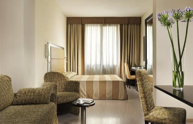 Fh地中海大酒店 - 佛罗伦萨 - 睡房