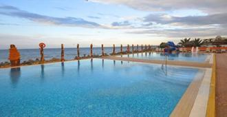 帕迈拉假日度假村及水疗中心 - 莫纳斯提尔
