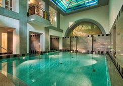 梅斯默之家酒店 - 巴登-巴登 - 游泳池