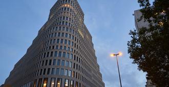 柏林多林特库尔菲斯滕达姆酒店 - 柏林 - 建筑