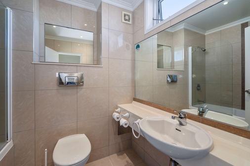 纳皮尔品质酒店 - 纳皮尔 - 浴室